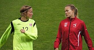 Ingrid Hjelmseth - Hjelmseth (right) with Silje Vesterbekkmo in June 2013