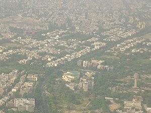 Siri Fort - Image: Siri Fort Sports Complex und Gulmohar Park vom Final aus gesehen