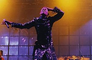 Skin podczas koncertu w Glastonbury