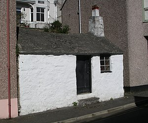 Menai Bridge - Image: Smallest house menaibridge