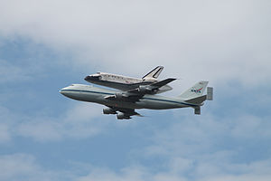 Space Shuttle Discovery over DC - Stierch M.jpg