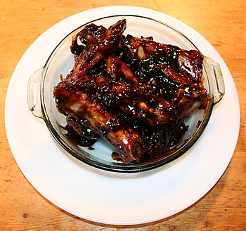 Spare ribs with Chinese barbecue sauce cropped.jpg