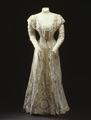 Spetsklänning från 1911 - Livrustkammaren - 81621.tif