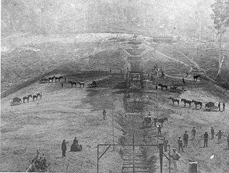 Enoggera Dam - Image: State Lib Qld 1 104352 Workers constructing the Enoggera Reservoir, Brisbane, ca. 1864