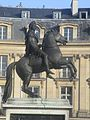 Statue équestre Louis XIV.jpg