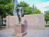Statue at Pershing Park by Matthew Bisanz.JPG