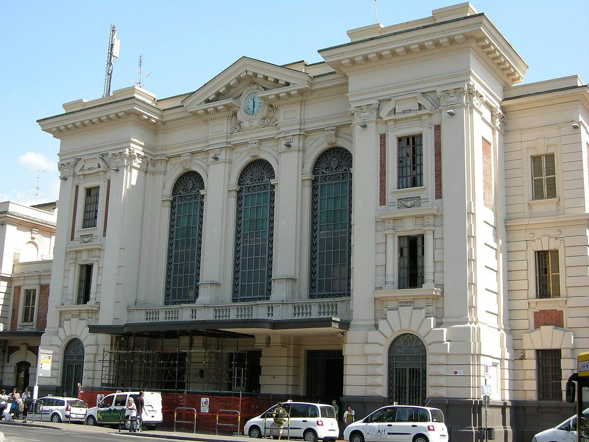 prato centrale railway station
