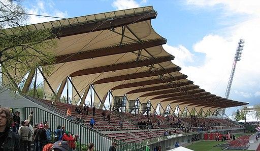 Steigerwaldstadion-Mainstand3