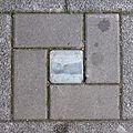Stolpersteine Köln, zerstörter Stolperstein St.-Apern-Str. 29-31.jpg