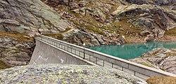 Stuwwand van Lago del Careser. Bergtocht van parkeerplaats bij centrale Malga Mare naar Lago del Careser 03.jpg