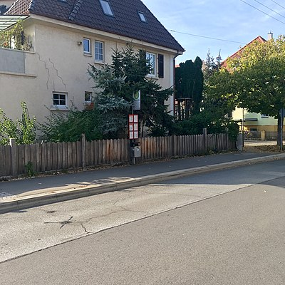 Tübingen-Kiesäckerstraße-Bushaltestelle-2.jpg