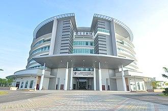 Tun Hussein Onn University of Malaysia - Tunku Tun Aminah Library