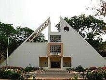 https://upload.wikimedia.org/wikipedia/commons/thumb/1/15/Takshashila_1.JPG/220px-Takshashila_1.JPG