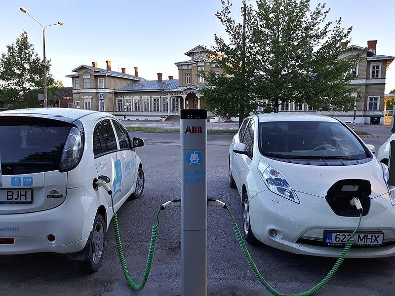 Auto elettriche - Photo credit: LA2