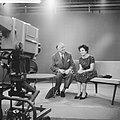 Televisieopname van Anneke Beekman en Louis Frequin, Bestanddeelnr 913-2482.jpg