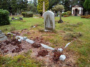 Thomas Sandys - Sandys' grave in Brookwood Cemetery