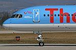 Thomsonfly Boeing 757-204 G-BYAW (29464134983).jpg