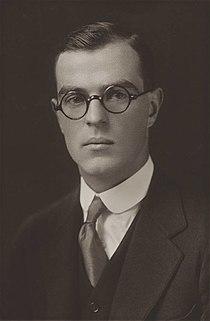 Thornton Wilder Yale graduation photo 1920.jpg