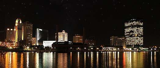 Toledo skyline at night.jpg