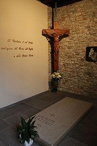 Tomba di Giuseppe Lazzati.JPG