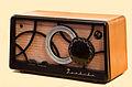Toshiba Vacuum tube Radio.jpg