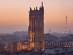 Tour Saint-Jacques au crépuscule.jpg