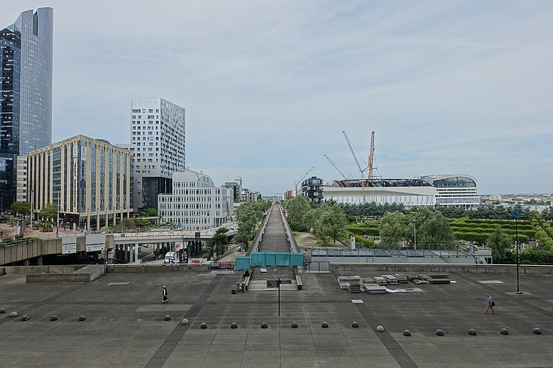 File:Towards Nanterre @ Grande Arche @ La Défense @ Paris (35053726941).jpg
