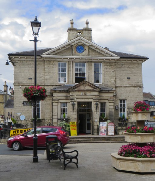 Town Hall, Wetherby (geograph 4542048)