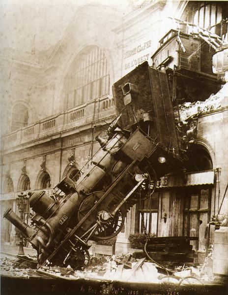 Fichier:Train wreck at Montparnasse 1895.png