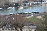 Tramway Ligne 2 vu depuis Parc St Cloud 1.jpg
