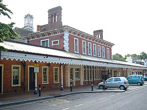 Tunbridge Wells railway station - Tunbridge Wells station, western approach
