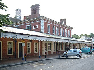 Tunbridge Wells railway station - The station building in 2006