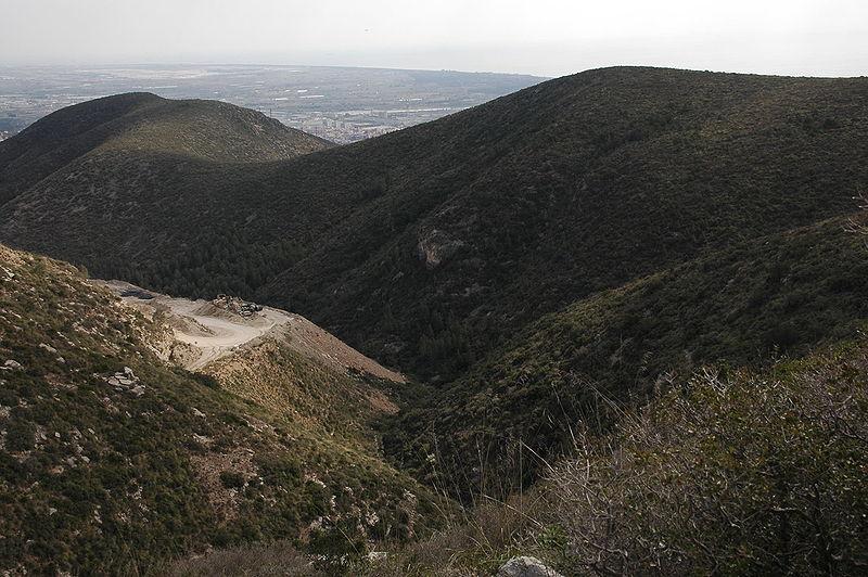 File:Turó del Fanxó i Puig del Cérvol.jpg