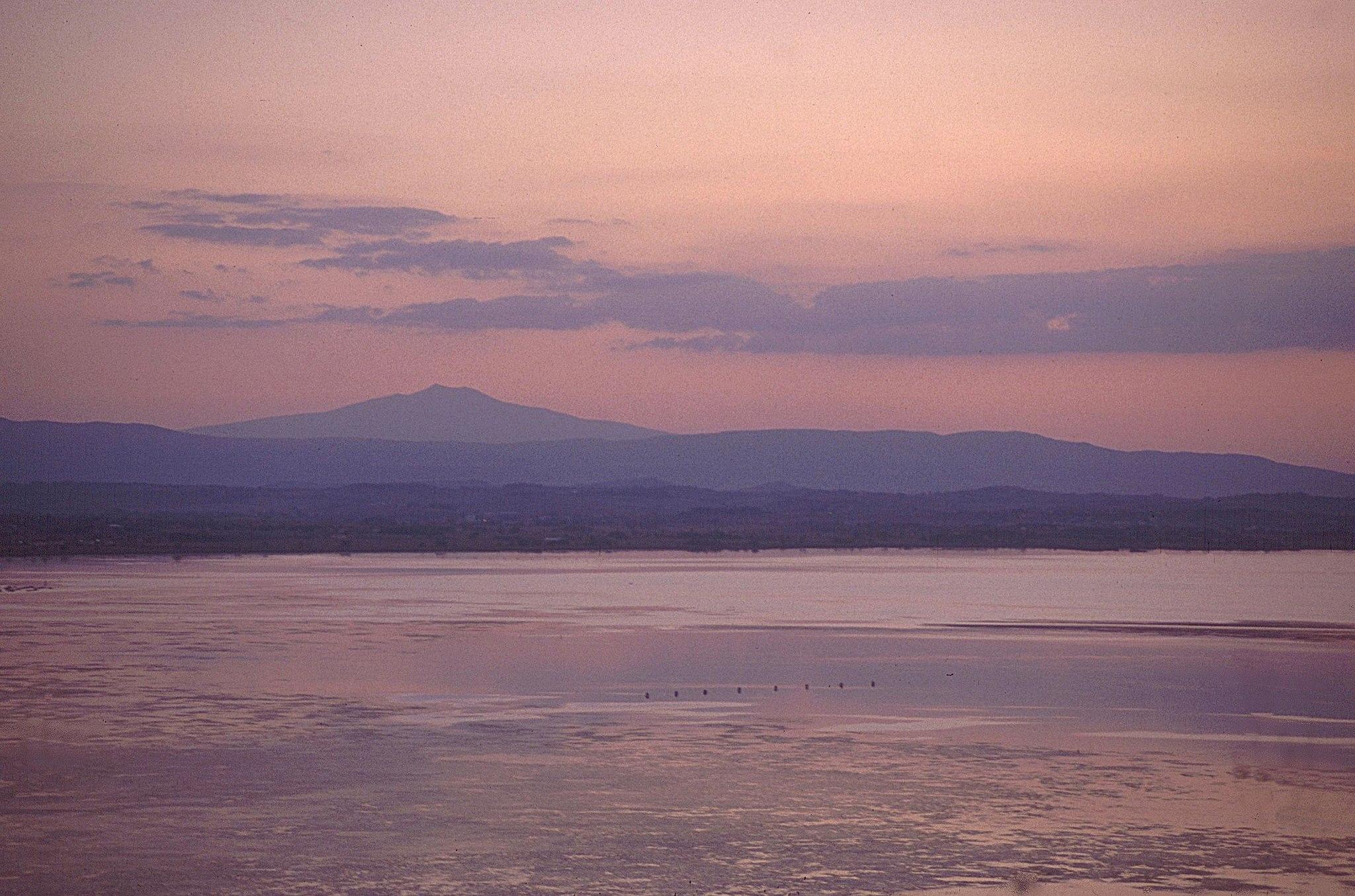 Vista del Lago Trasimeno al Monte Amiata