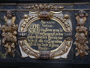 Unionskirche, Idstein - Plaque on a balustrade