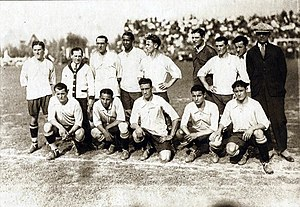 José Nasazzi - Nasazzi (first from left, at bottom) with the Uruguay team in 1928.