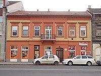Védett lakóépület (eklektikus, 1890 körül), Árpád út 37, 2018 Újpest.jpg
