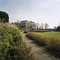 Vooraanzicht van Huize der Boede gezien vanuit het park - Koudekerke - 20420220 - RCE.jpg