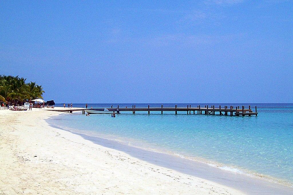 West Bay Beach -Roatan -Honduras-23May2009-d.jpg