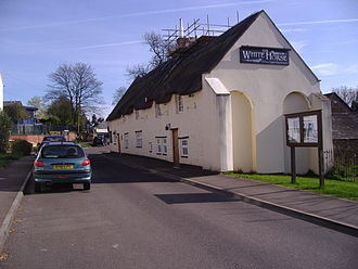 Welton, Northamptonshire - Image: White Horse public house, 5th April 2009