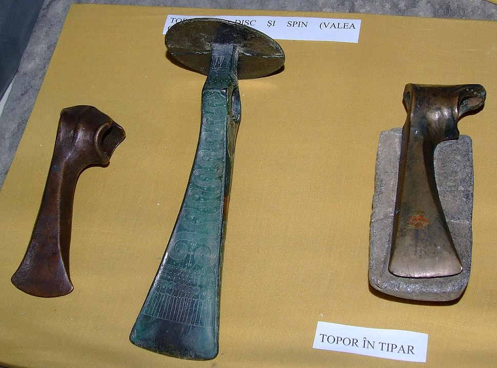 Wietenberg culture axes at National Museum of Transylvanian History 2007