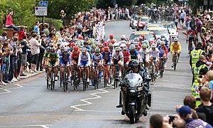Cycling at the 2012 Summer Olympics – Women's individual road race - Image: Womens Olympic Road Race Peleton July 2012