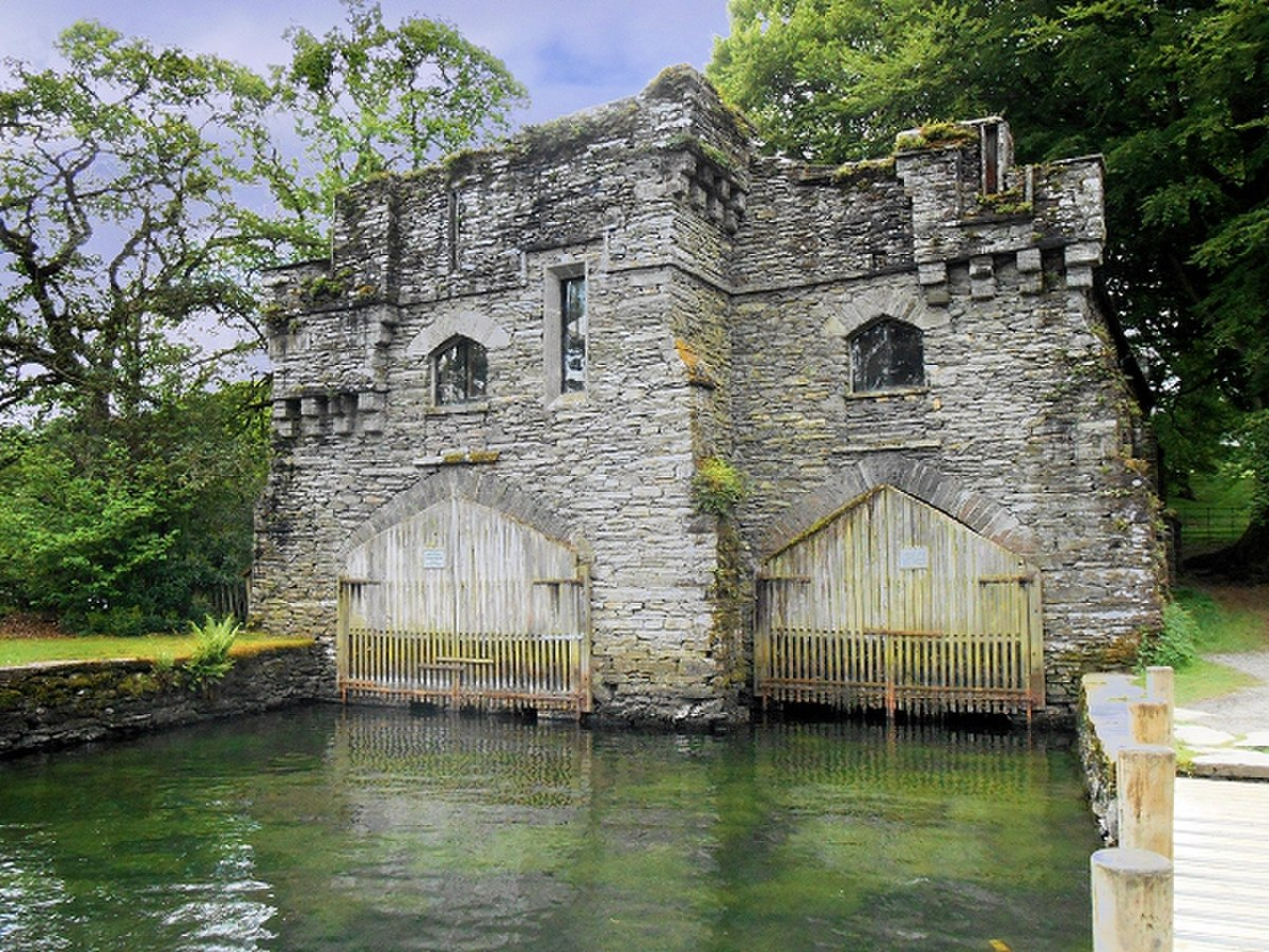 Wray Castle Boathouse, Low Wray Bay-geograph-4007079.jpg