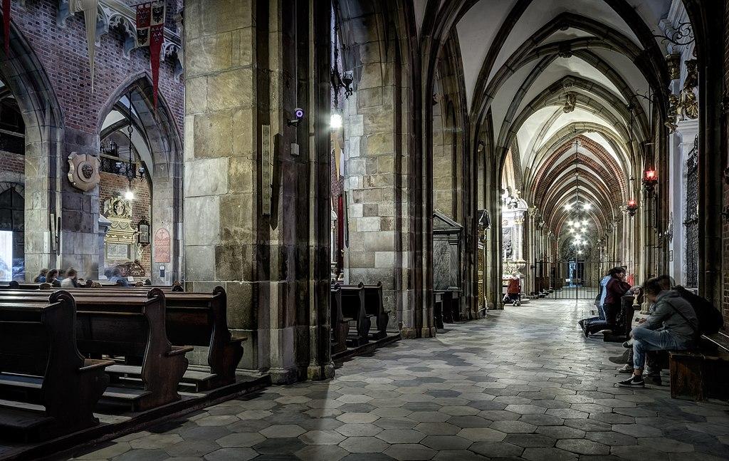 A l'intérieur de la cathédrale de Wroclaw - Photo de Jar.ciurus