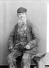 Yr Hen Saer (R Edward), Chwilog