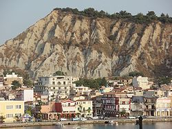 Zakynthos City waterfront houses (Strada marina) and Bochali Hill, Greece 01.jpg