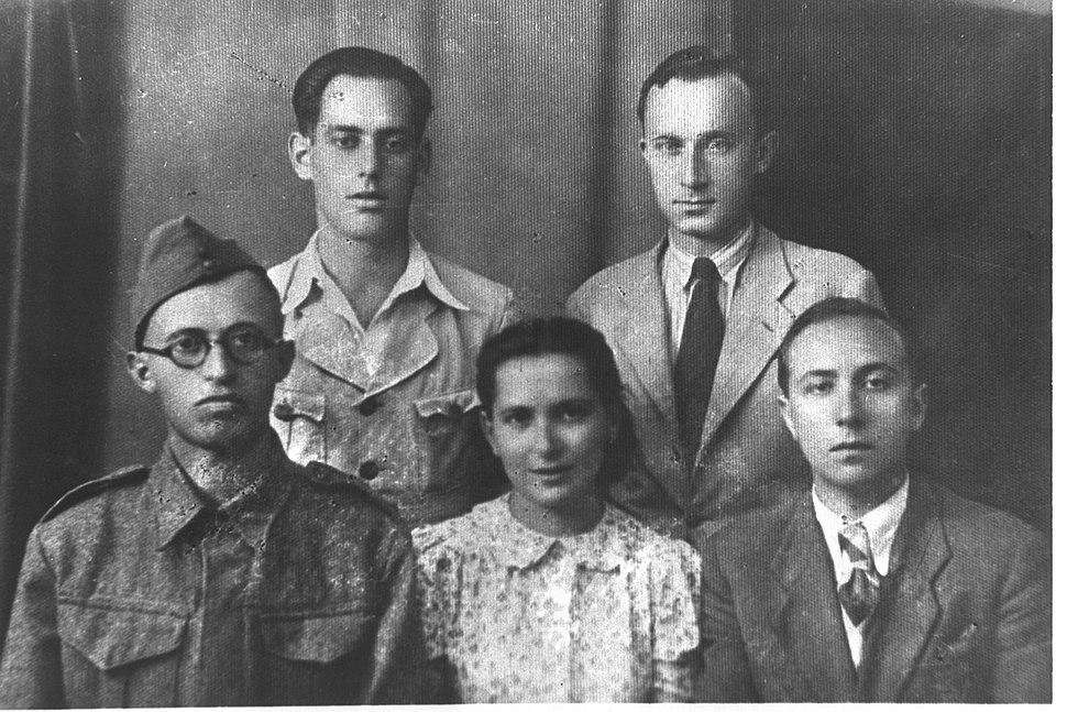 (BOTTOM) MENAHEM BEGIN IN POLISH ARMY UNIFORM OF GEN. ANDERS FORCES WITH WIFE ALIZA AND DAVID YUTAN. (TOP) MOSHE STEIN AND ISRAEL EPSTEIN. (JABOTINSKYD98-131