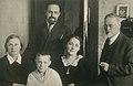 А.К.Янсон с семьей своего приемного сына Михаила. Таллин, 1930-е годы.jpg