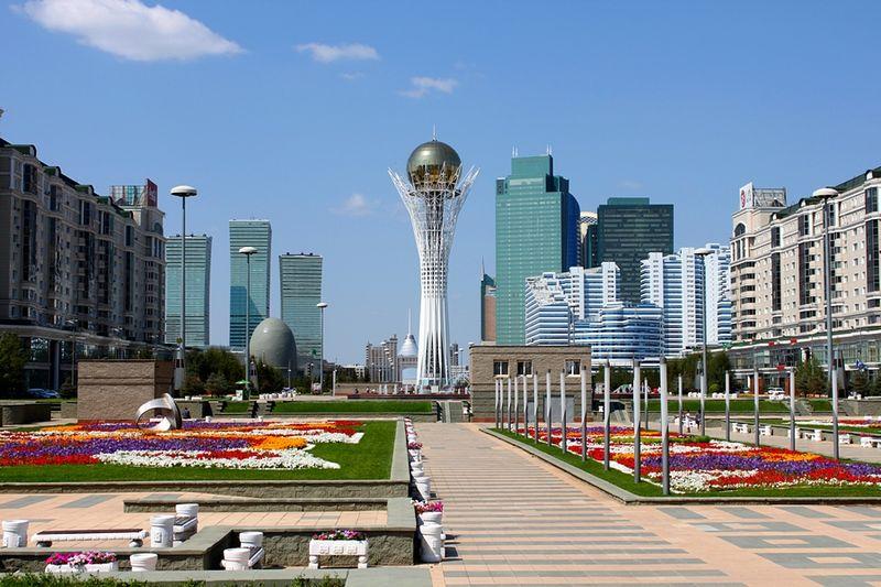 File:Байтерек - panoramio (1).jpg