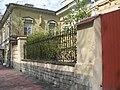Больница св. Марии Магдалины, покойницкая и ограда01.jpg